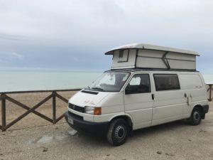 Tony Furgony e la spiaggia di Numana, Marche