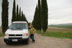 Italia Centrale: Tony e Ivan e i cipressi